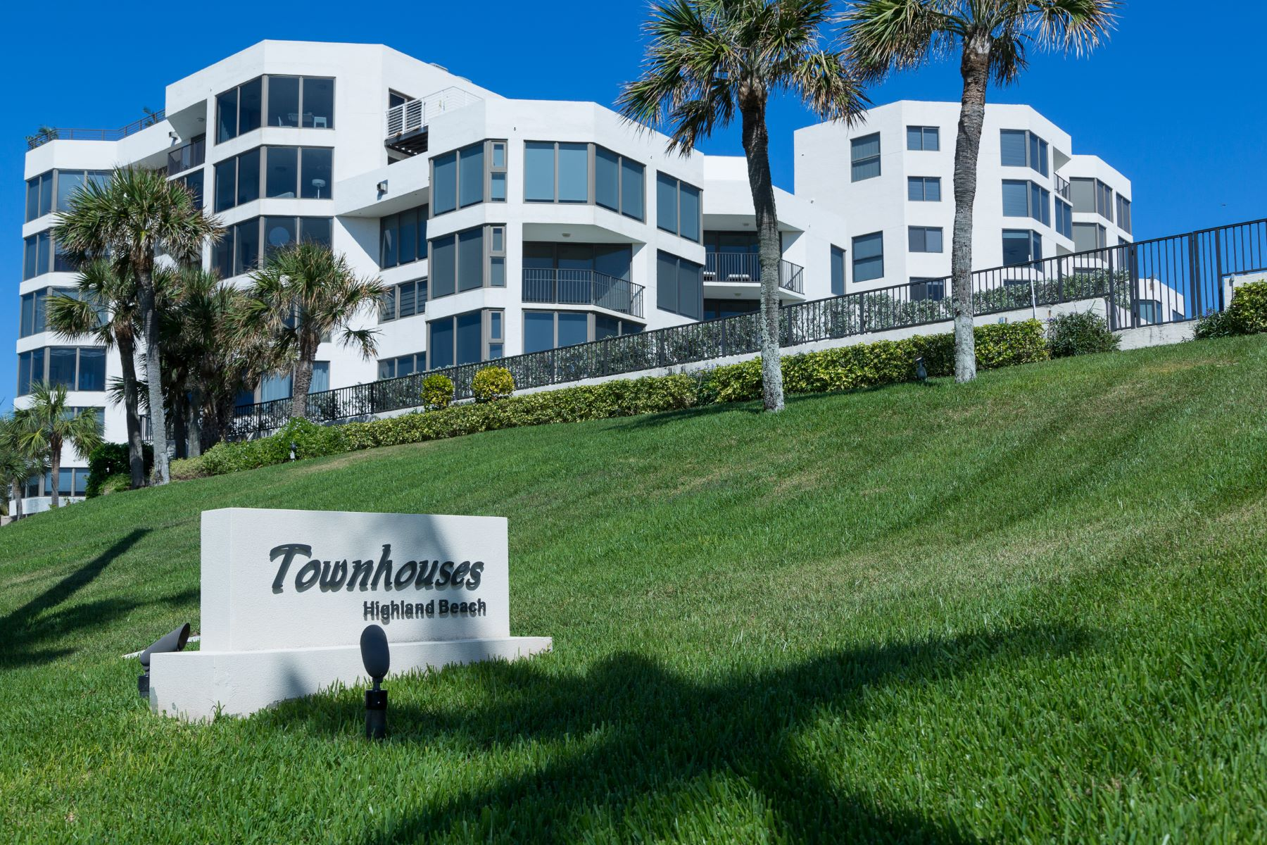 Townhouse for Active at 2575 S Ocean Boulevard 2575 S Ocean Boulevard 105s Highland Beach, Florida 33487 United States