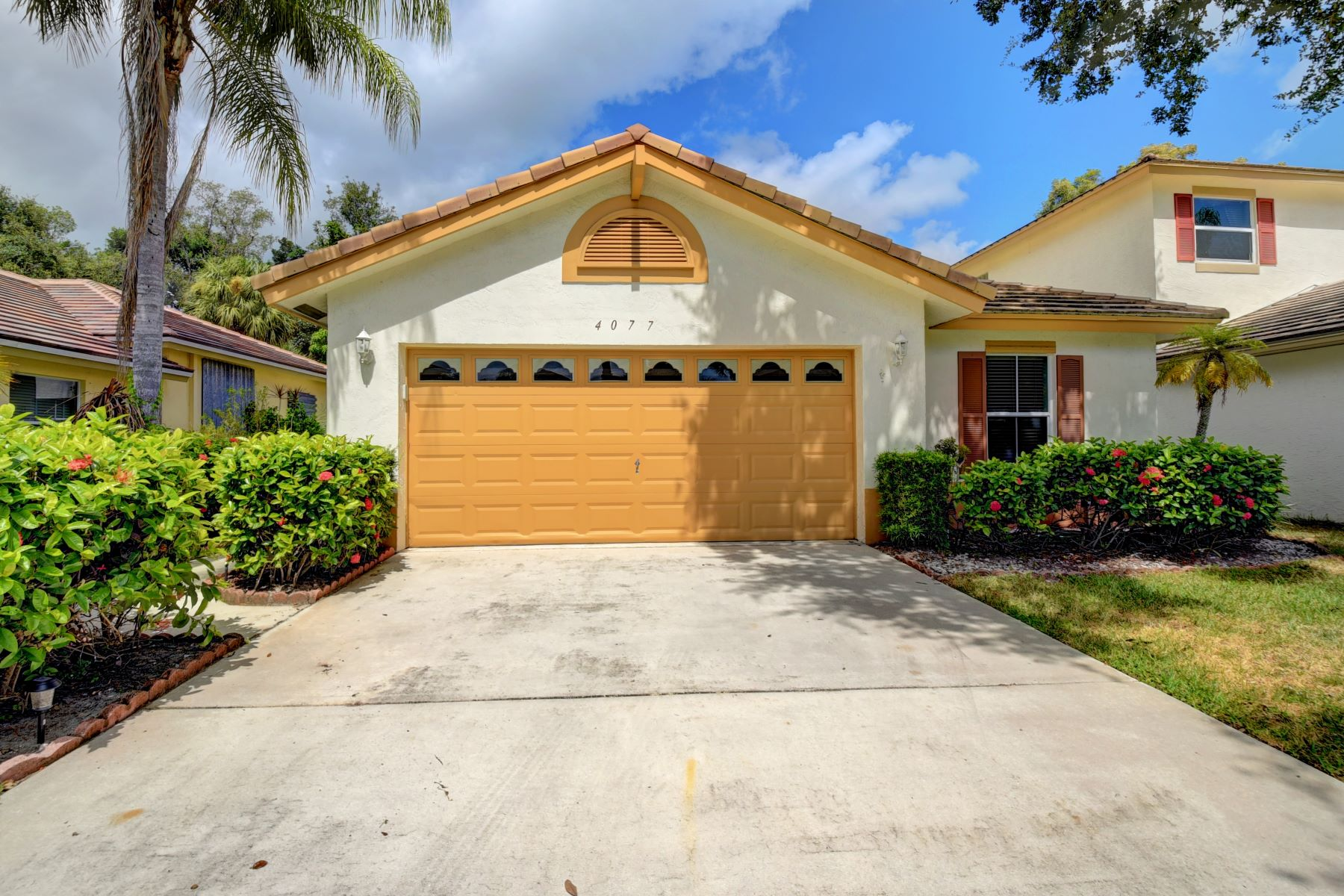 Single Family Homes para Venda às 4077 Manor Forest Trail Boynton Beach, Florida 33436 Estados Unidos