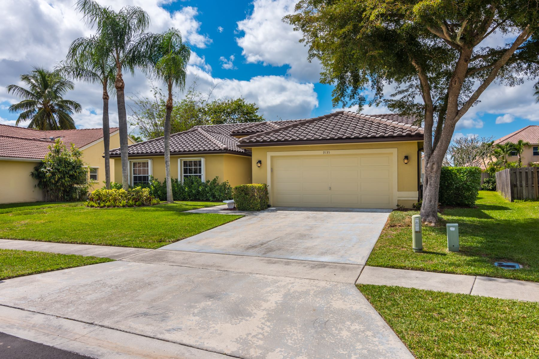 Single Family Homes for Sale at 9135 Chianti Court Boynton Beach, Florida 33472 United States