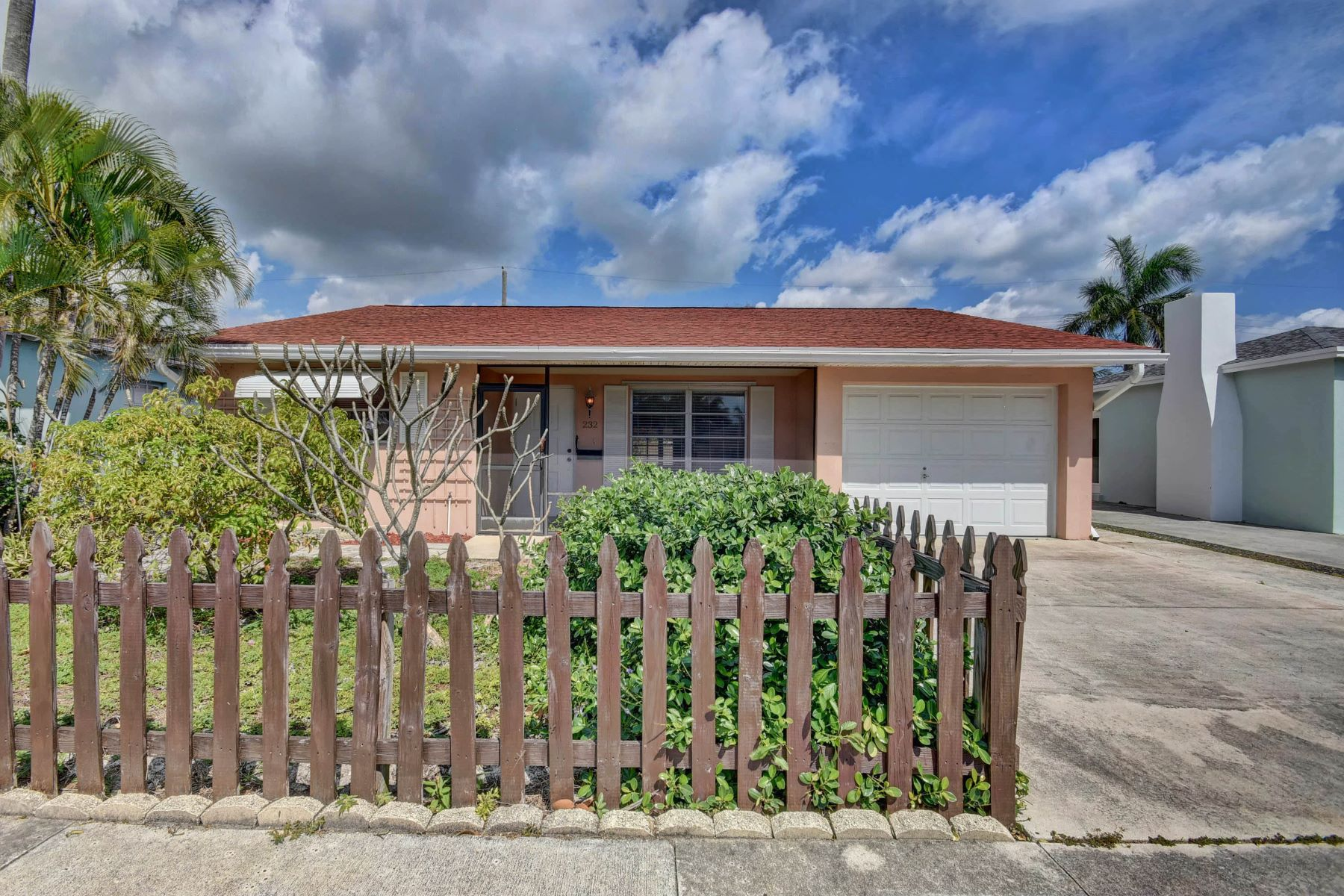 Single Family Homes for Sale at 232 Wellesley Drive Lake Worth, Florida 33460 United States