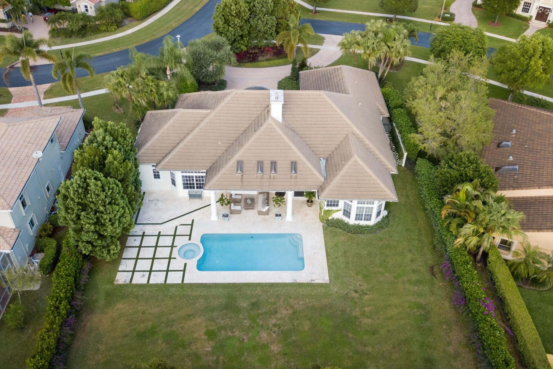 Single Family Homes for Sale at 2369 Newbury Court, Other, FL Other Areas, Florida 00000 United States