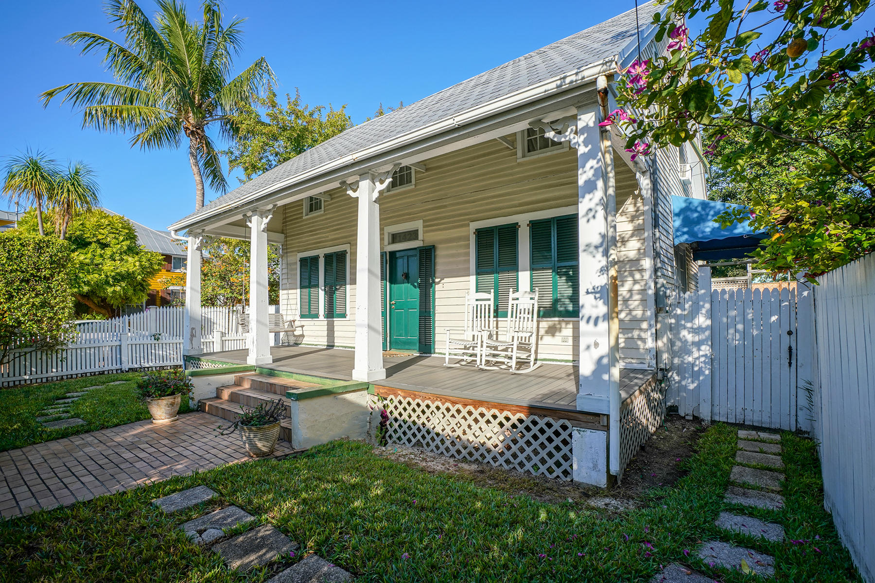 Single Family Homes pour l Vente à 1423,1418 Petronia., Newton Street, Key West, FL Key West, Floride 33040 États-Unis