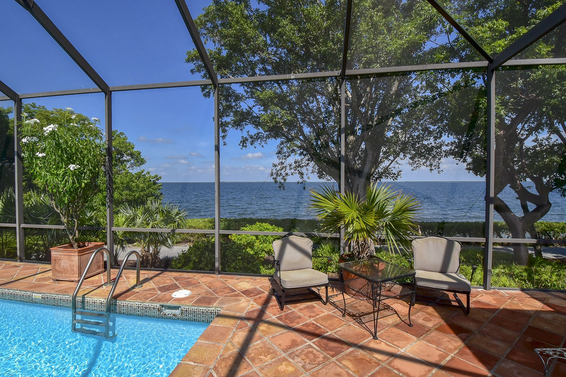 Additional photo for property listing at 10 Cannon Point, Key Largo, FL  Key Largo, Florida 33037 United States