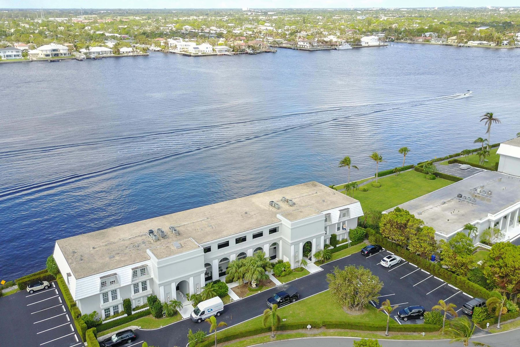 Condominiums for Sale at 2180 Ibis Isle Road, #0020, Other, FL 2180 Ibis Isle Road 0020, Other Areas, Florida 00000 United States