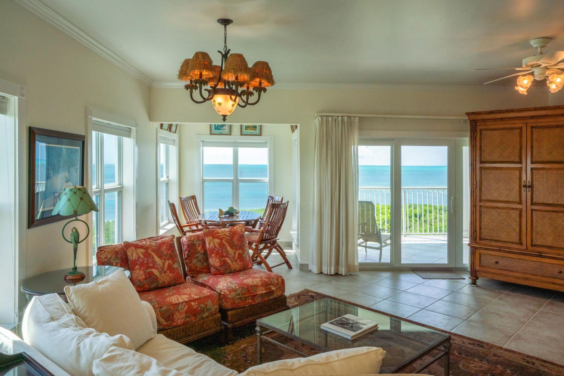 Condominiums por un Venta en 5960 Peninsular Avenue, #205, Stock Island, FL 5960 Peninsular Avenue 205, Stock Island, Florida 33040 Estados Unidos