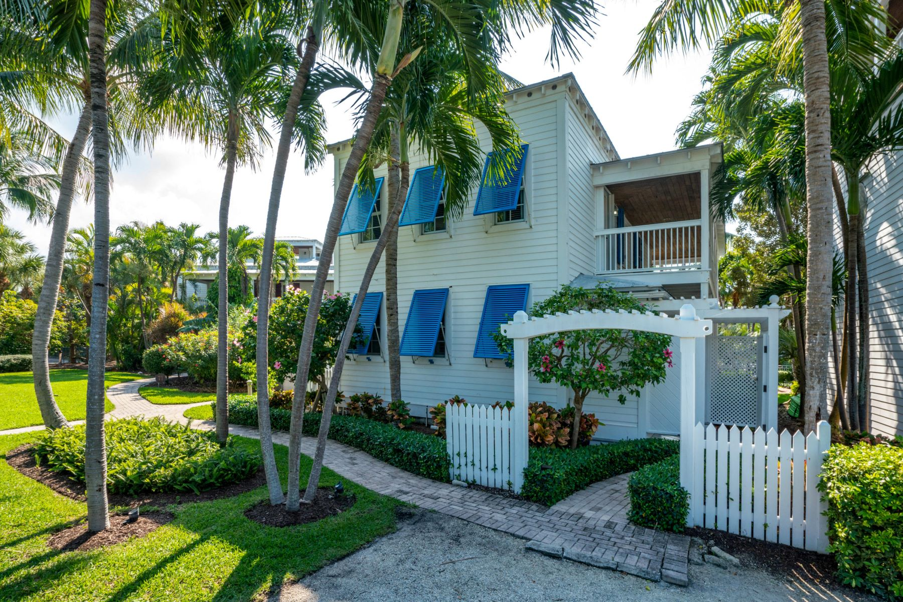 Single Family Homes pour l Vente à 61 Sunset Key Drive, Key West, FL Key West, Floride 33040 États-Unis