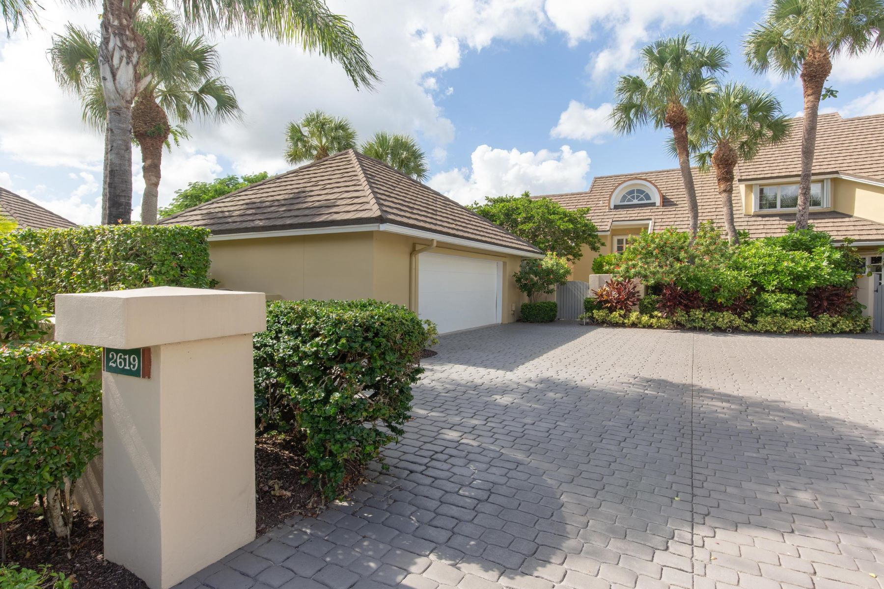 townhouses for Sale at 2619 Muirfield Court, Other, FL Other Areas, Florida 00000 United States
