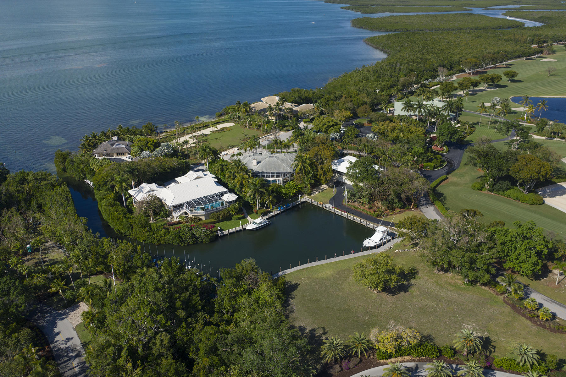 Additional photo for property listing at 10 Cannon Point, Key Largo, FL 10 Cannon Point Key Largo, Florida 33037 United States