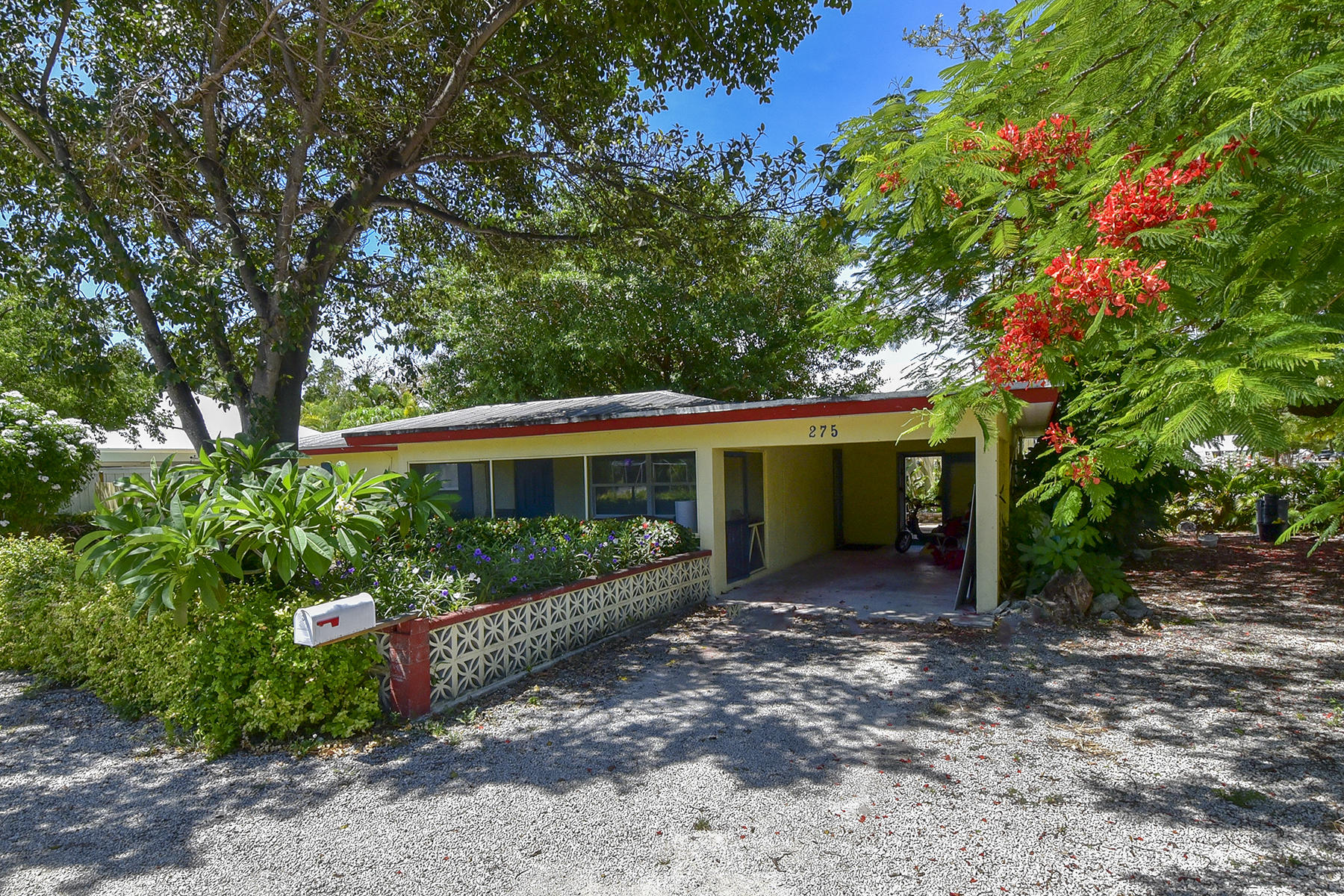 Single Family Homes for Sale at 275 Pueblo Street, Tavernier, FL 275 Pueblo Street Tavernier, Florida 33070 United States