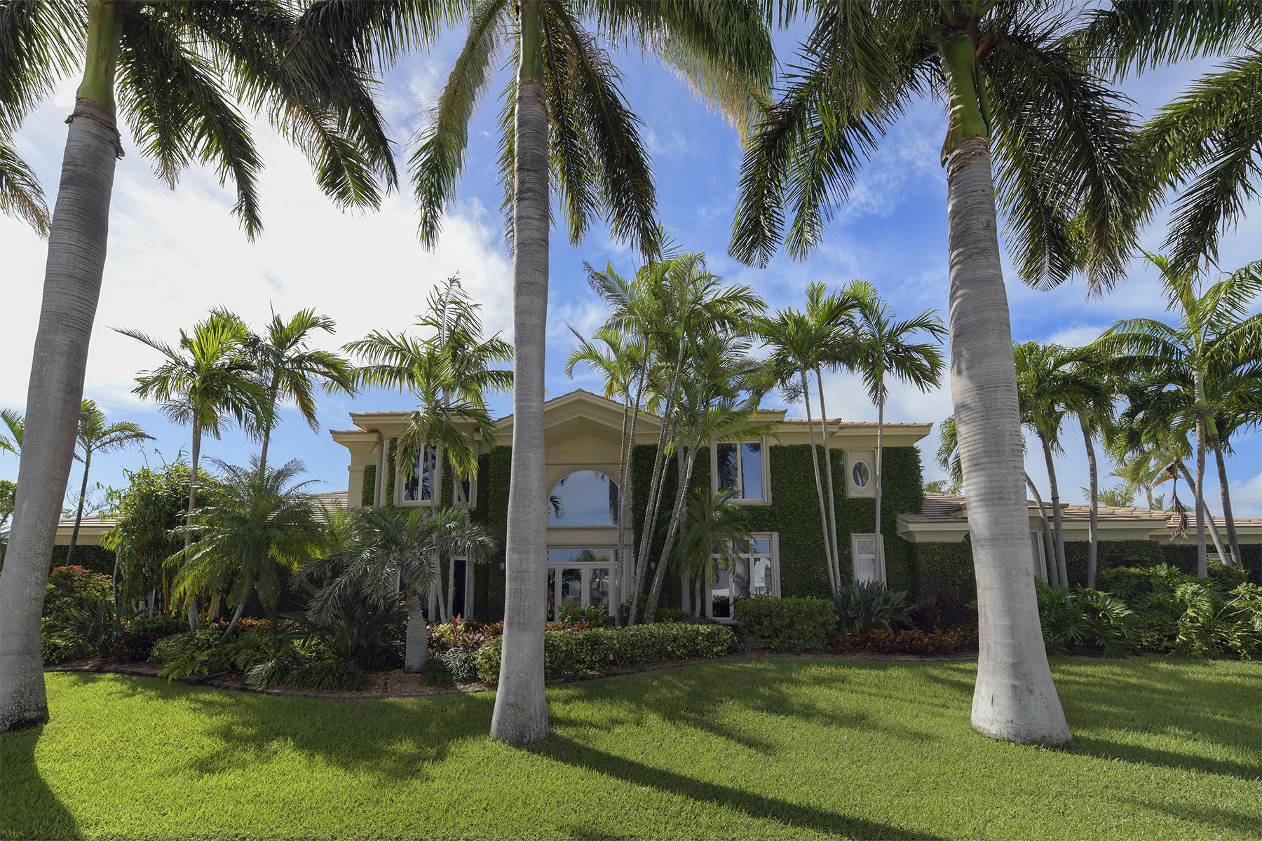 Single Family Homes for Sale at 285 14 Th Street, Key Colony, FL 285 14 Th Street Key Colony, Florida 33051 United States