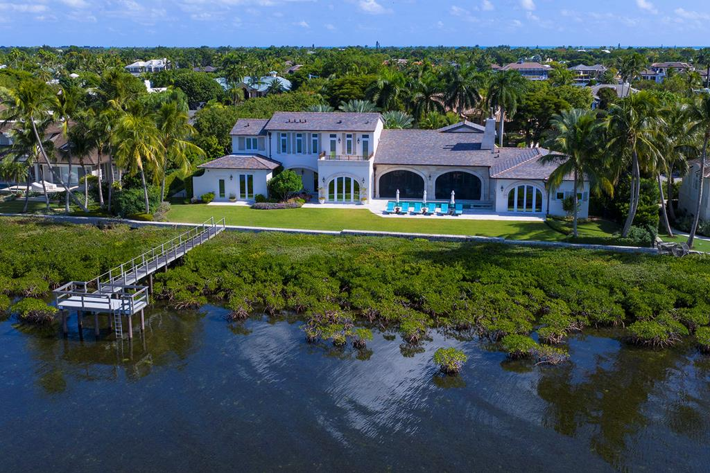 Single Family Homes for Sale at 21 East Snapper Point Drive, Key Largo, FL 21 East Snapper Point Drive Key Largo, Florida 33037 United States