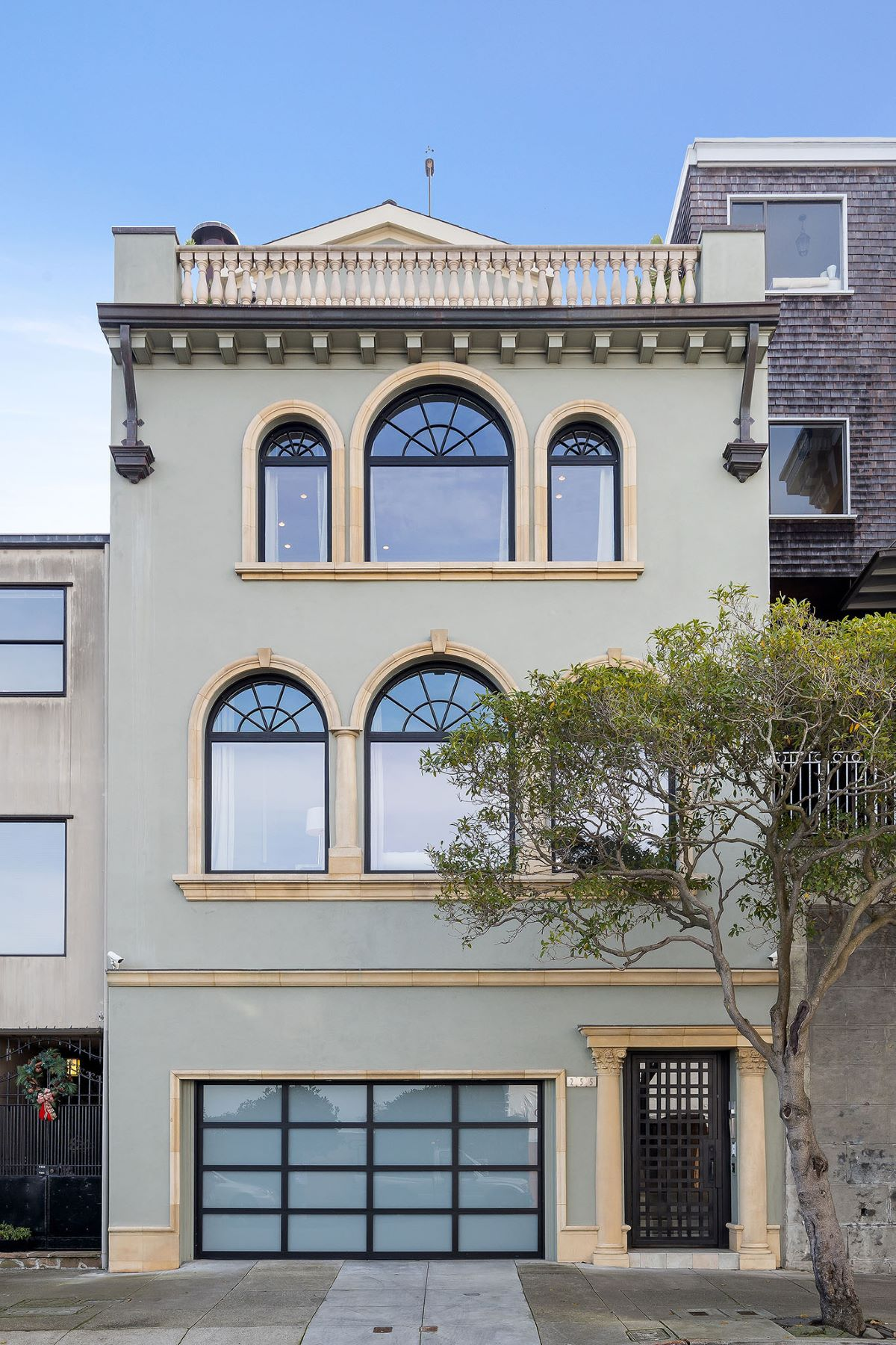 Single Family Homes for Active at Telegraph Hill Mediterranean View Home 255 Chestnut St San Francisco, California 94133 United States