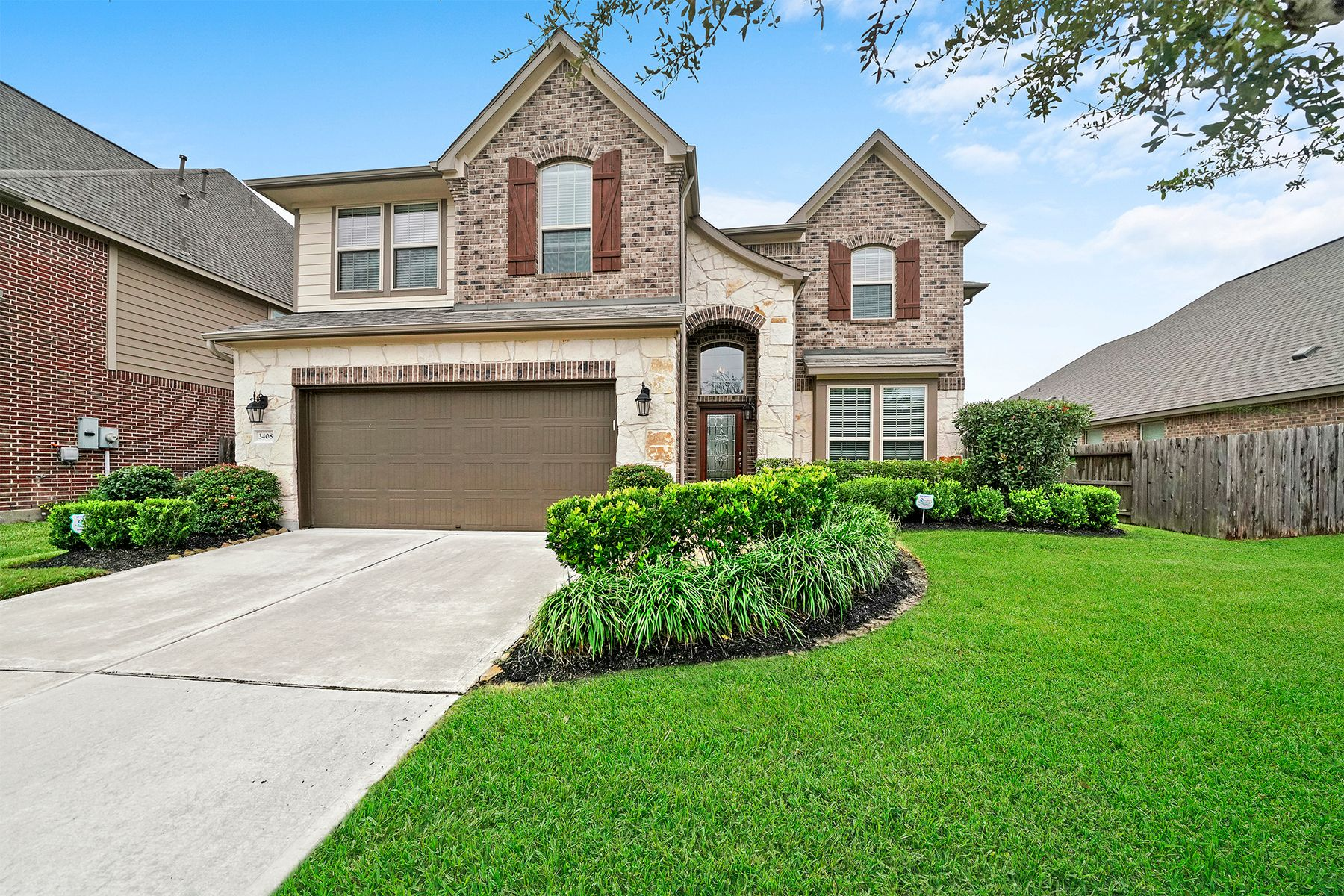 Single Family Homes for Sale at 3408 Harvest Moon Lane Pearland, Texas 77584 United States