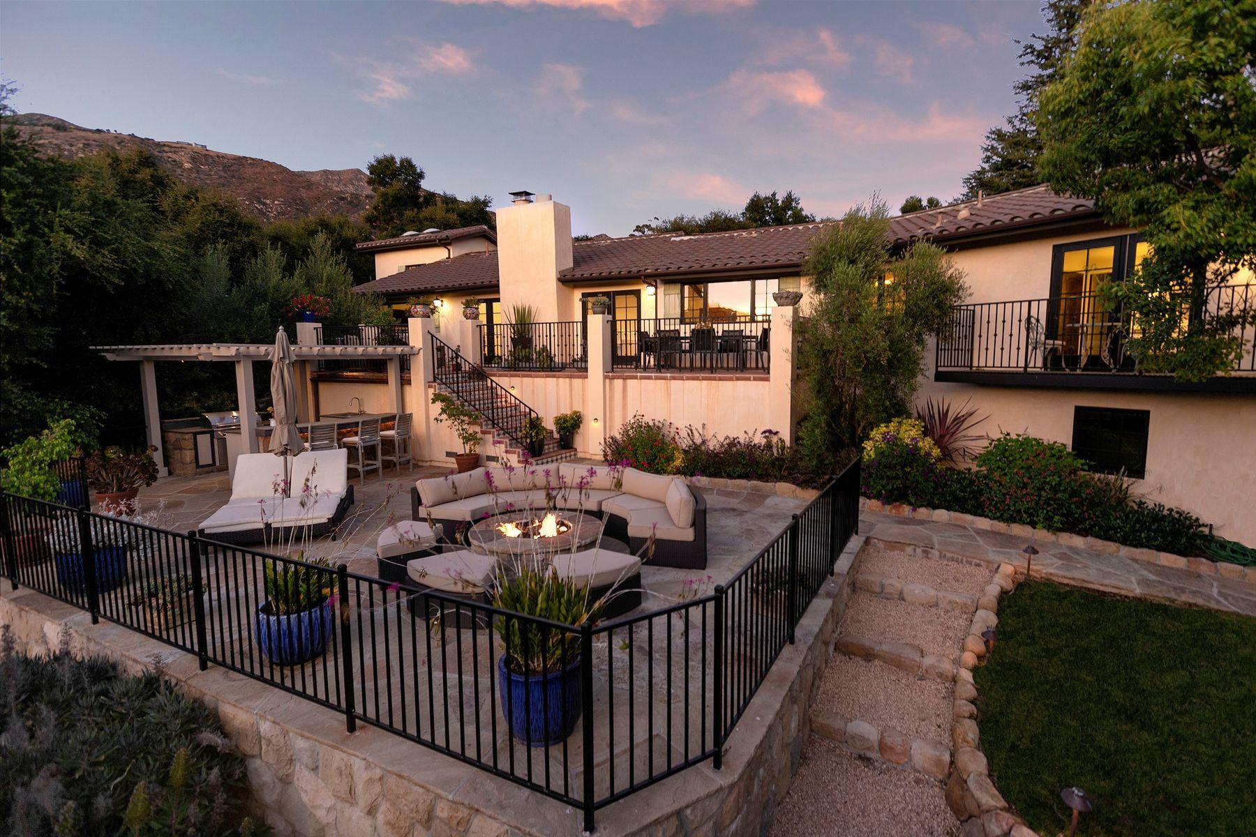 Single Family Homes por un Venta en Serene Montecito Retreat 2970 Hidden Valley Lane Montecito, California 93108 Estados Unidos