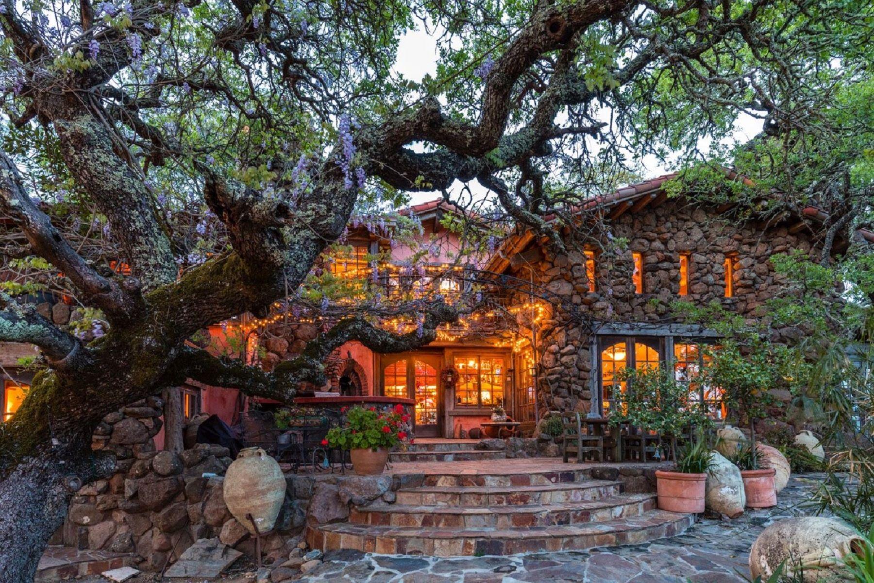 Single Family Homes 为 销售 在 Incomparable Napa Valley Estate 2460 Sage Canyon Rd 海伦娜, 加利福尼亚州 94574 美国