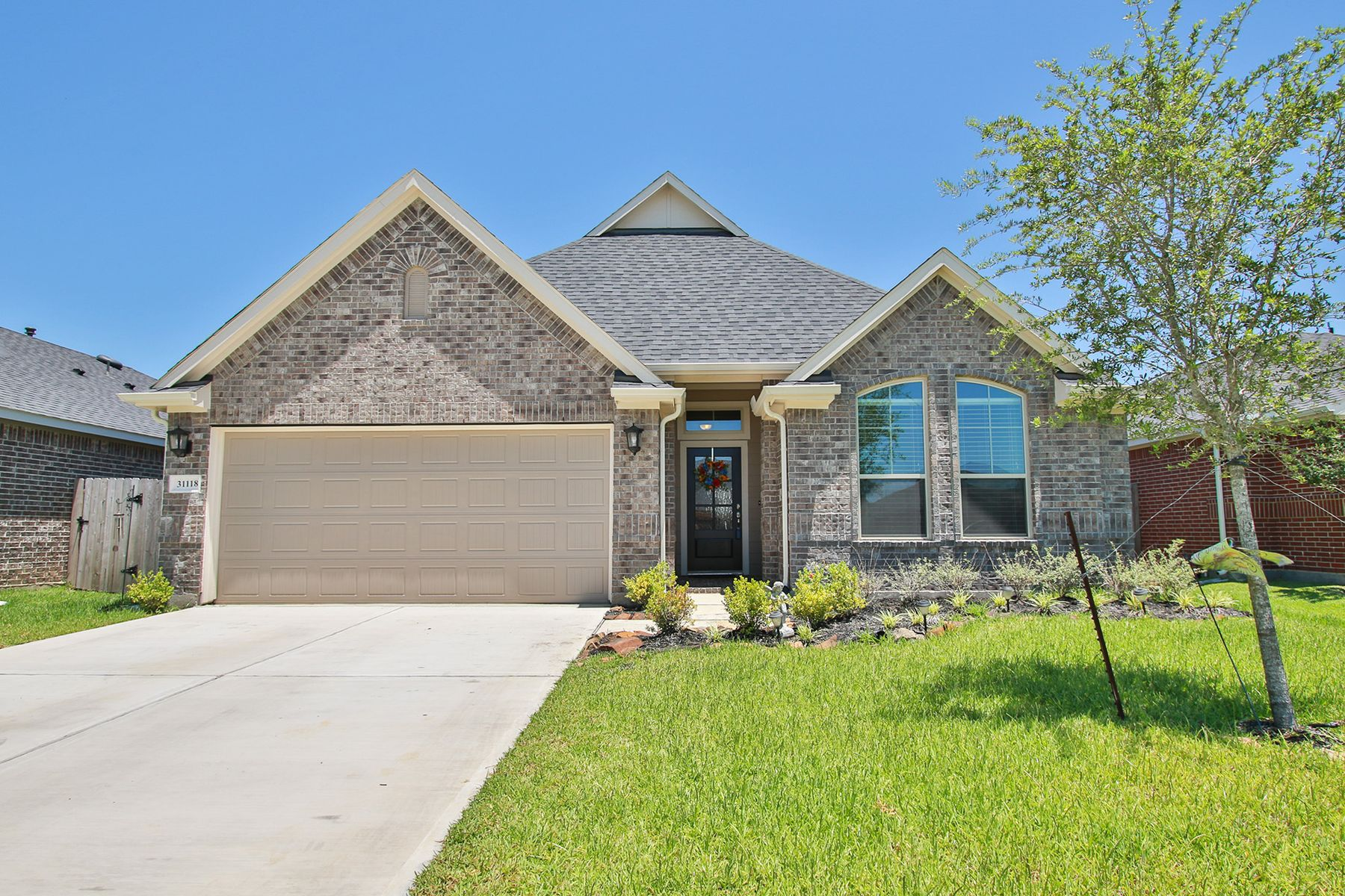 Single Family Homes for Active at 31118 Gulf Cypress Lane Hockley, Texas 77447 United States
