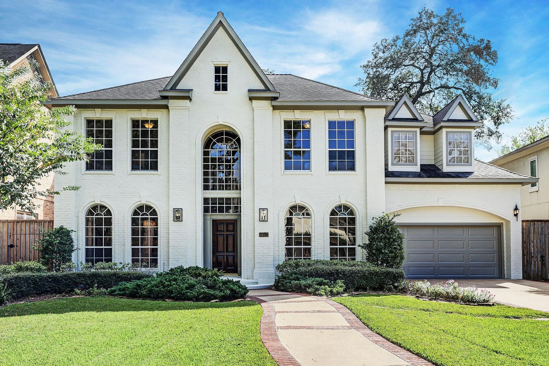 Single Family Homes for Sale at 4613 Cedar Oaks Lane Bellaire, Texas 77401 United States