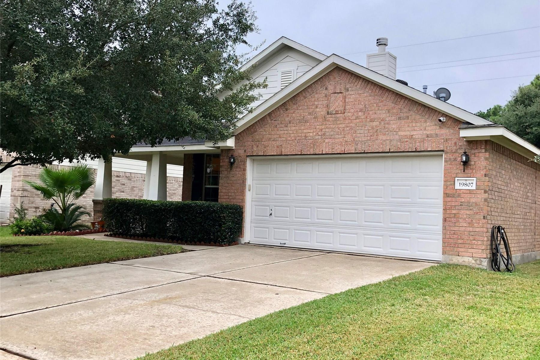 Single Family Homes for Sale at 19807 N Villages Of Bridgestone Lane Spring, Texas 77379 United States