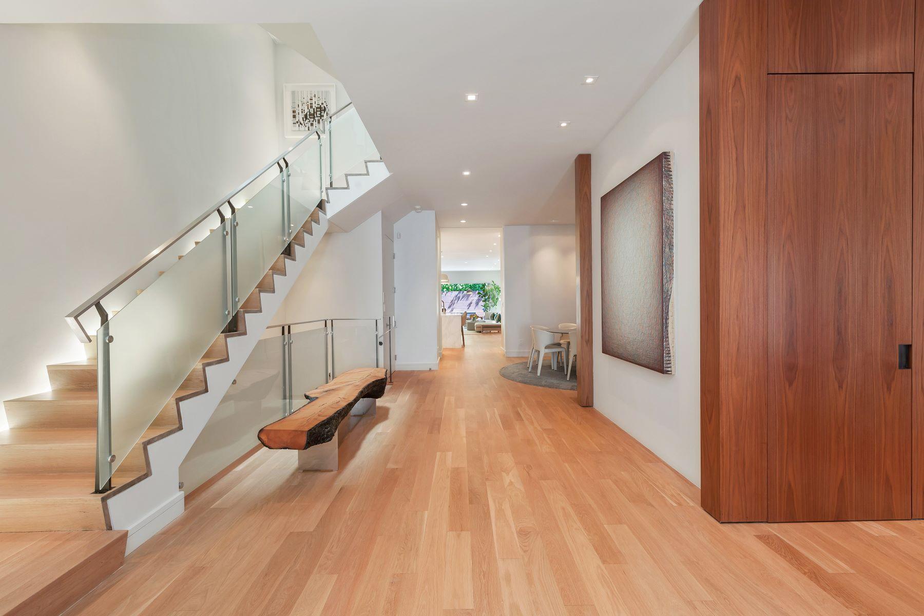 Single Family Homes 为 销售 在 Pacific Heights Contemporary Chic 2340 Washington St 旧金山, 加利福尼亚州 94115 美国