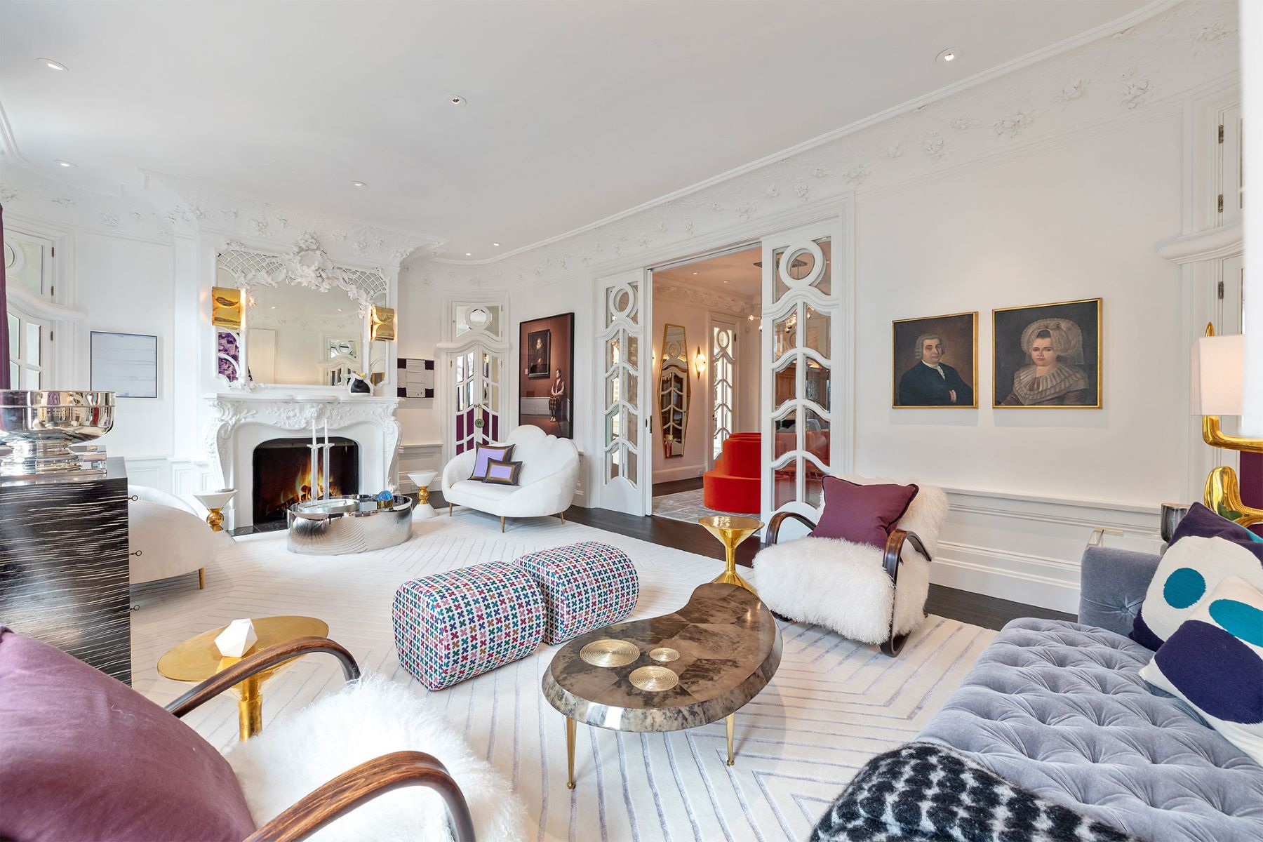 Single Family Homes 为 销售 在 Glamorous Parisien-style Residence 1230 Sacramento St 旧金山, 加利福尼亚州 94108 美国