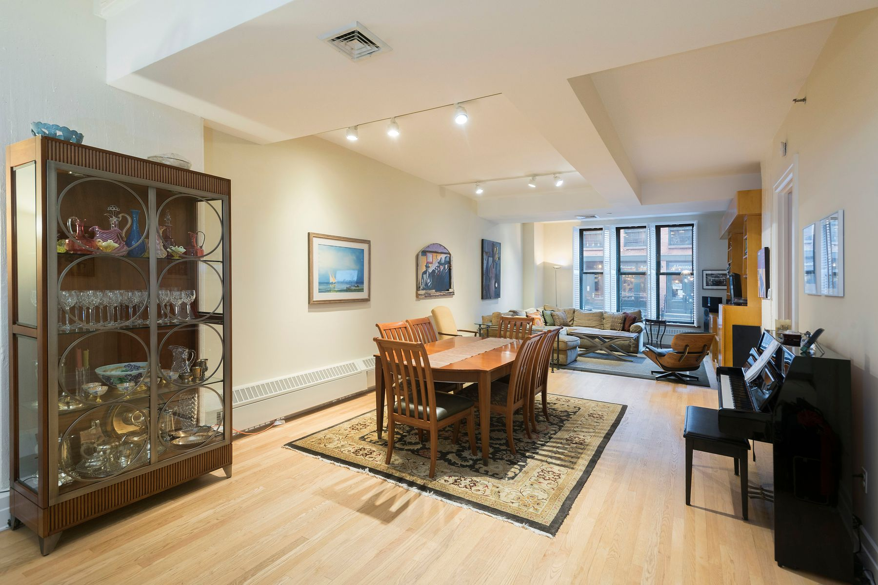 Condominiums for Active at Room to Roam, Incredible Home 30 Main Street Apt 2G Brooklyn, New York 11201 United States