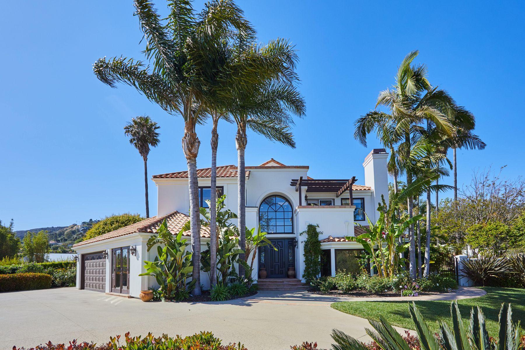 Single Family Homes 为 销售 在 Gorgeous Ocean View Family Home 29675 Harvester Road 马里布, 加利福尼亚州 90265 美国