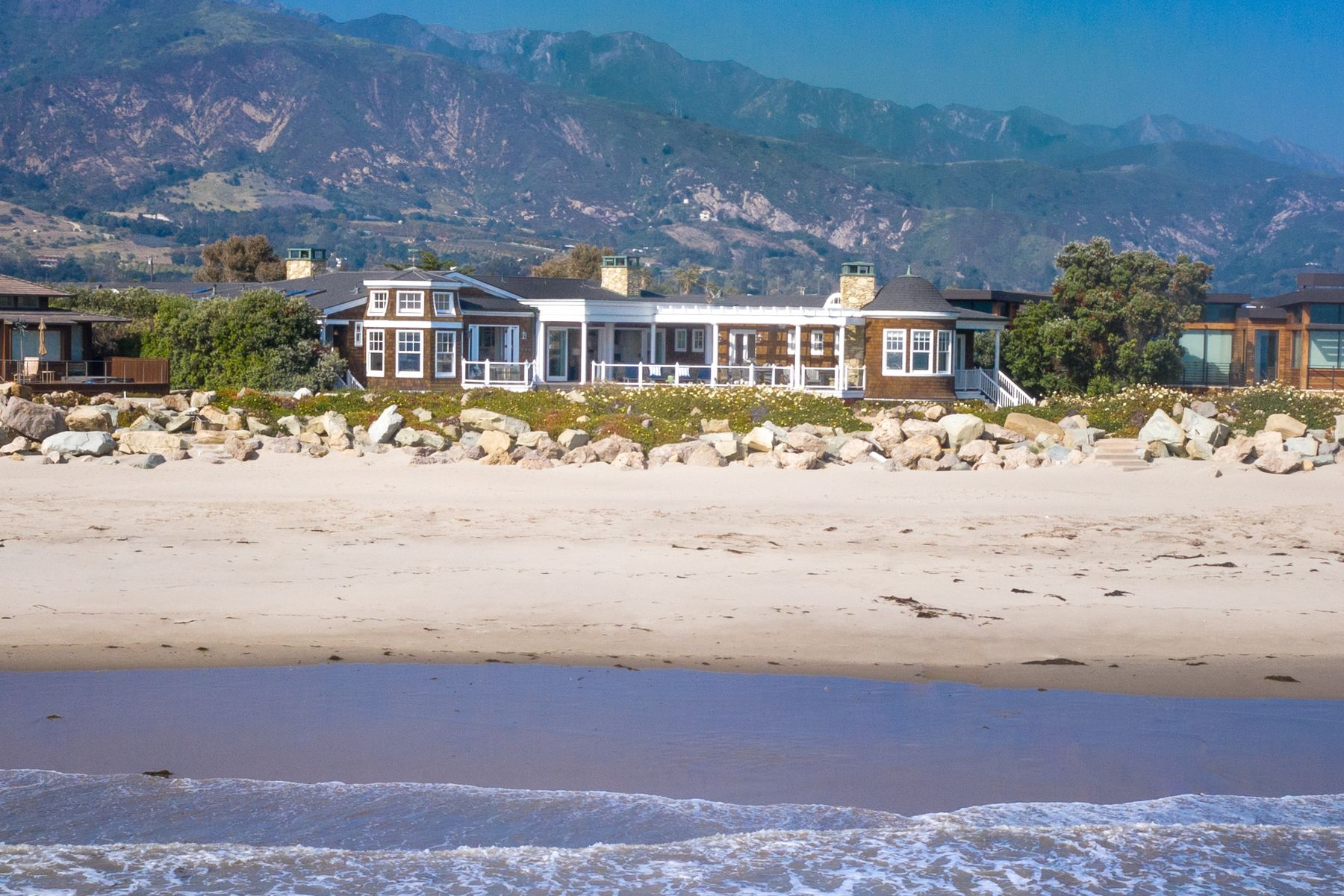 Single Family Homes for Sale at Private Ocean Front Retreat 821 Sand Point Road Carpinteria, California 93013 United States