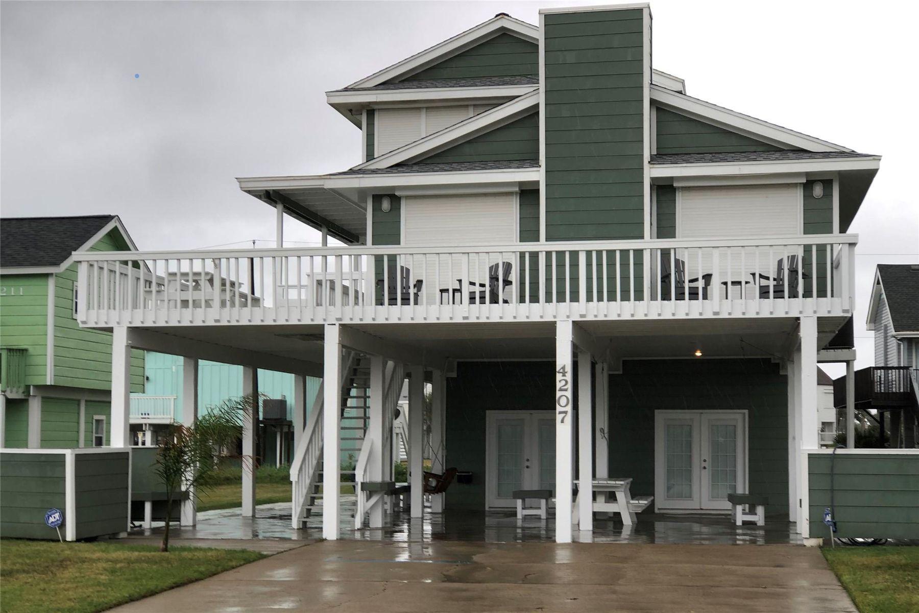 Single Family Homes 용 매매 에 7207 Rageur Road 4207 Rageur Road, Galveston, 텍사스 77554 미국