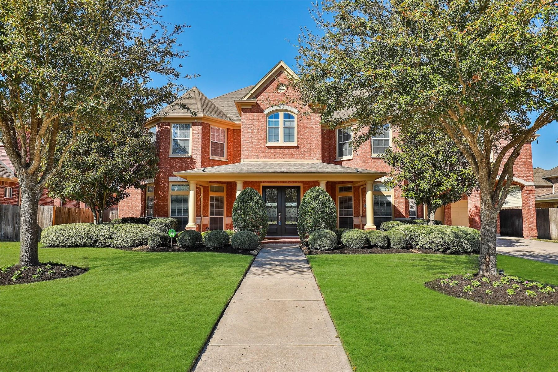 Single Family Homes for Sale at 26514 Ridgefield Park Lane Cypress, Texas 77433 United States