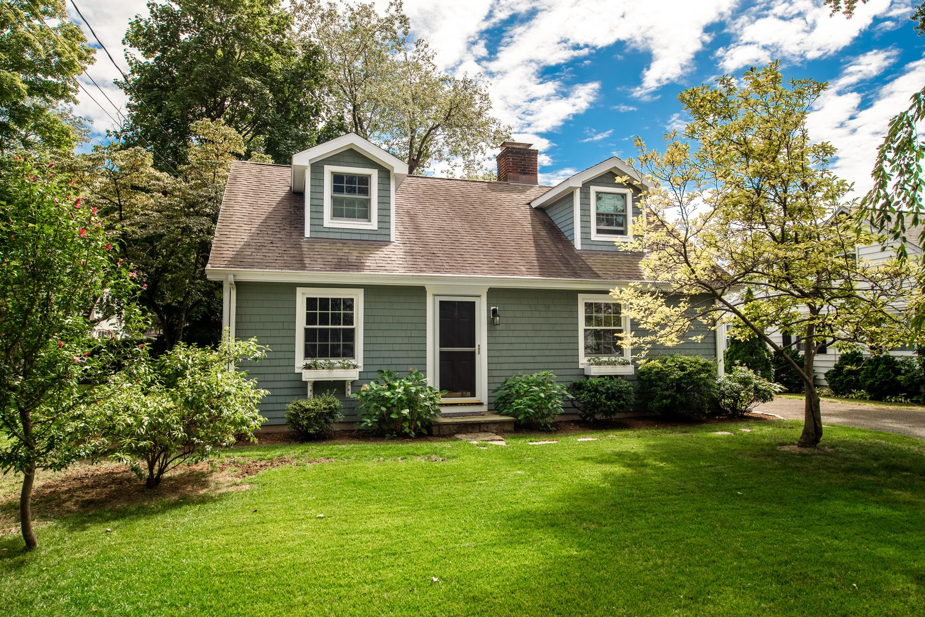 Single Family Homes for Active at Cos Cob Gem 2 Mulberry Lane Cos Cob, Connecticut 06807 United States