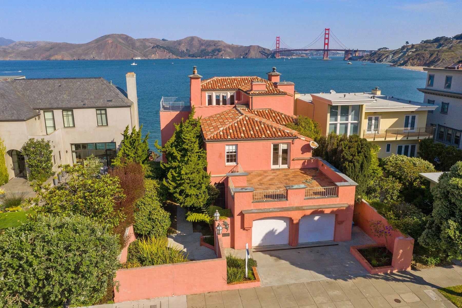 Single Family Homes 为 销售 在 Unique Sea Cliff Home 224 Sea Cliff Ave 旧金山, 加利福尼亚州 94121 美国