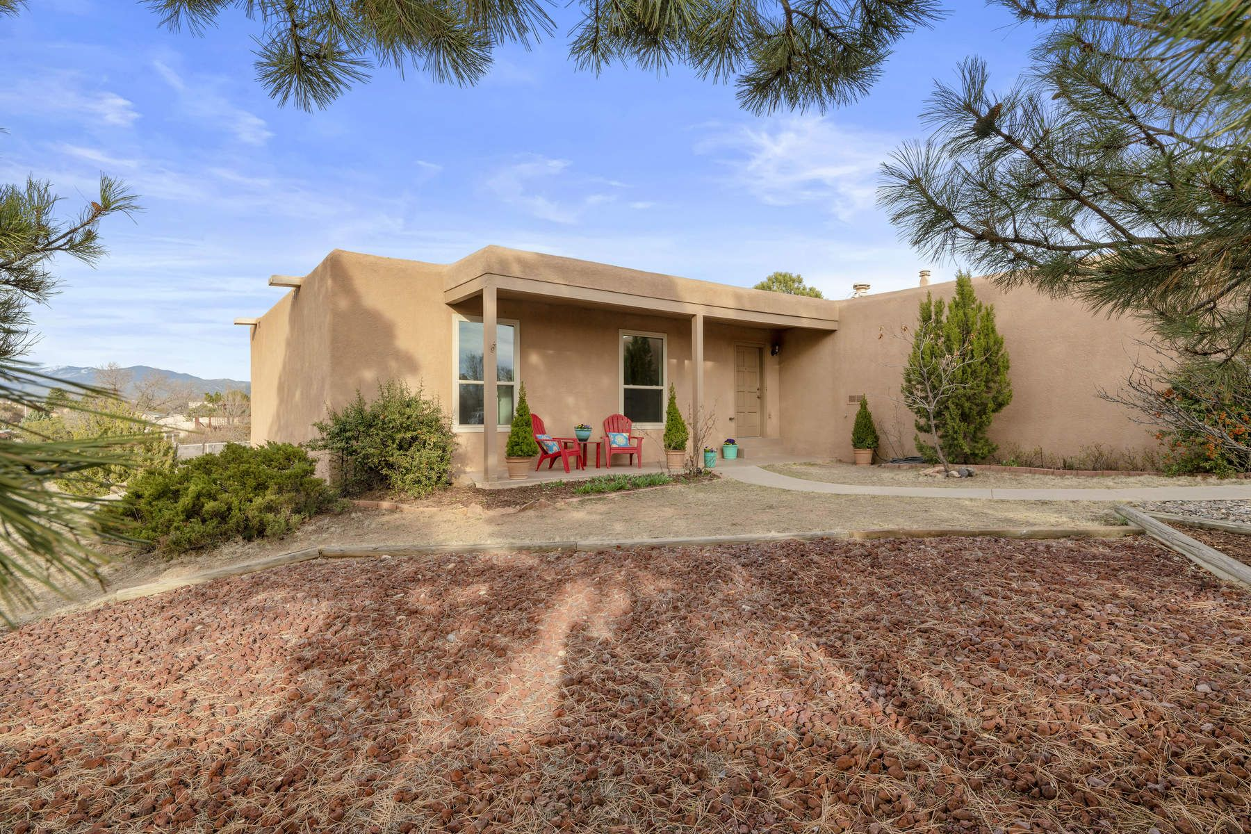 Single Family Homes pour l Vente à Santa Fe, Nouveau-Mexique 87505 États-Unis