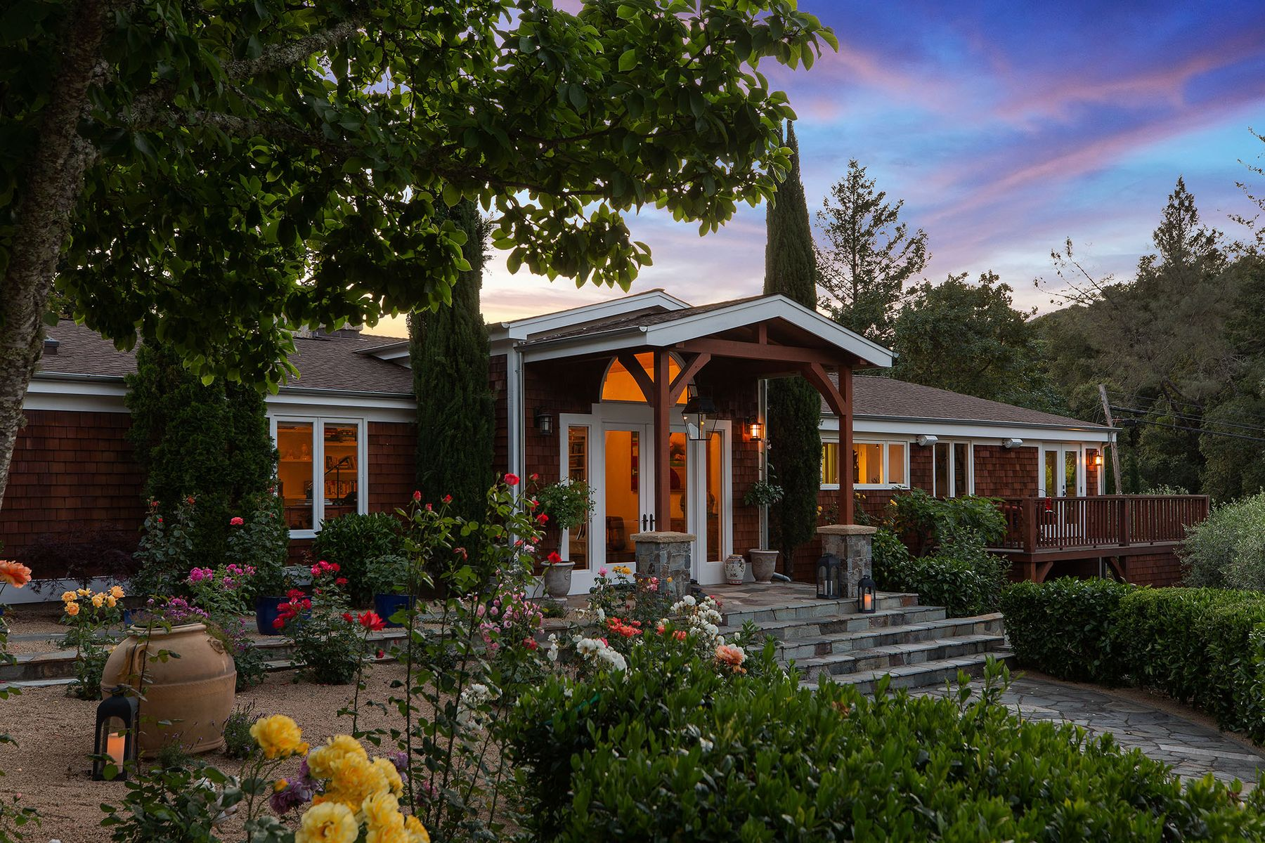 Single Family Homes for Sale at Beautifully Updated Napa Valley Estate 4481 Silverado Trl Calistoga, California 94515 United States