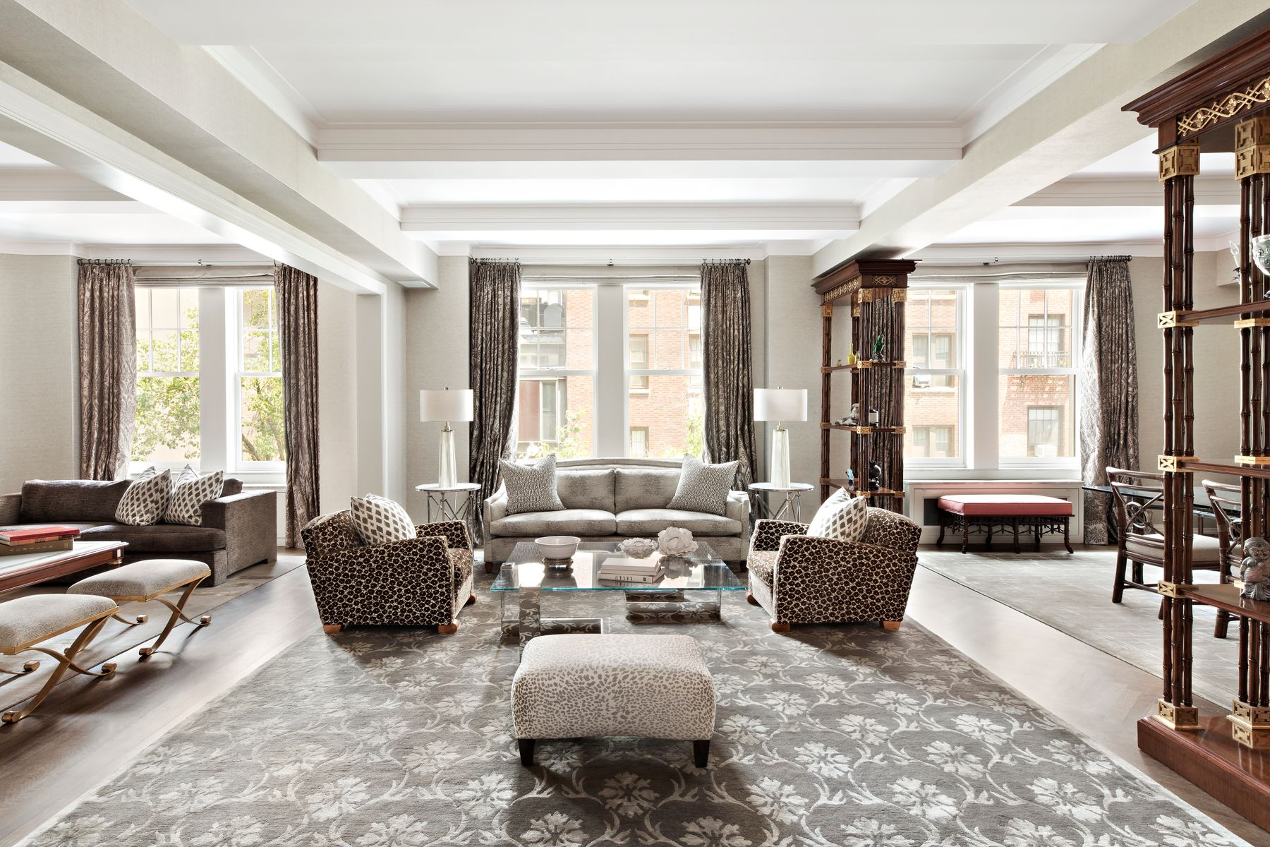 Co-op Properties for Sale at 575 Park Avenue, 206-208 575 Park Avenue 206-208 New York, New York 10065 United States