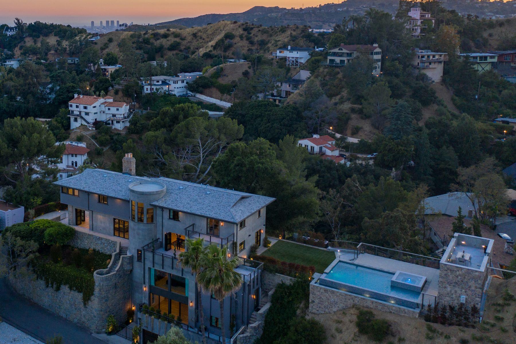 Single Family Homes por un Venta en 6201 Rodgerton Drive Los Angeles, California 90068 Estados Unidos