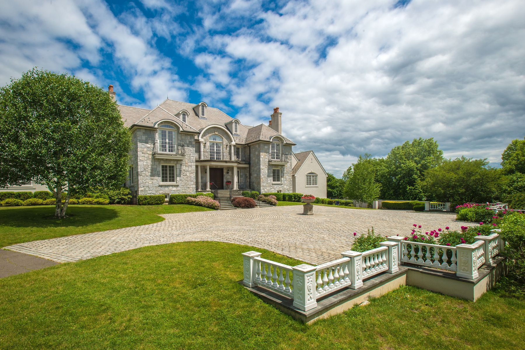 Single Family Homes for Sale at 7 Close Road Greenwich, Connecticut 06831 United States