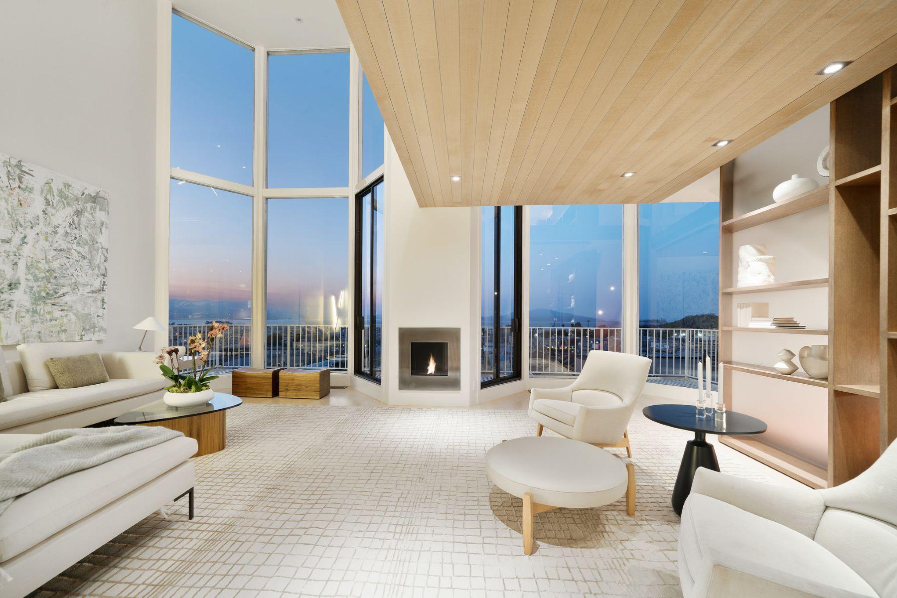 Condominiums for Active at Stunning VIEW Condo 2134 Green St Apt 6 San Francisco, California 94123 United States