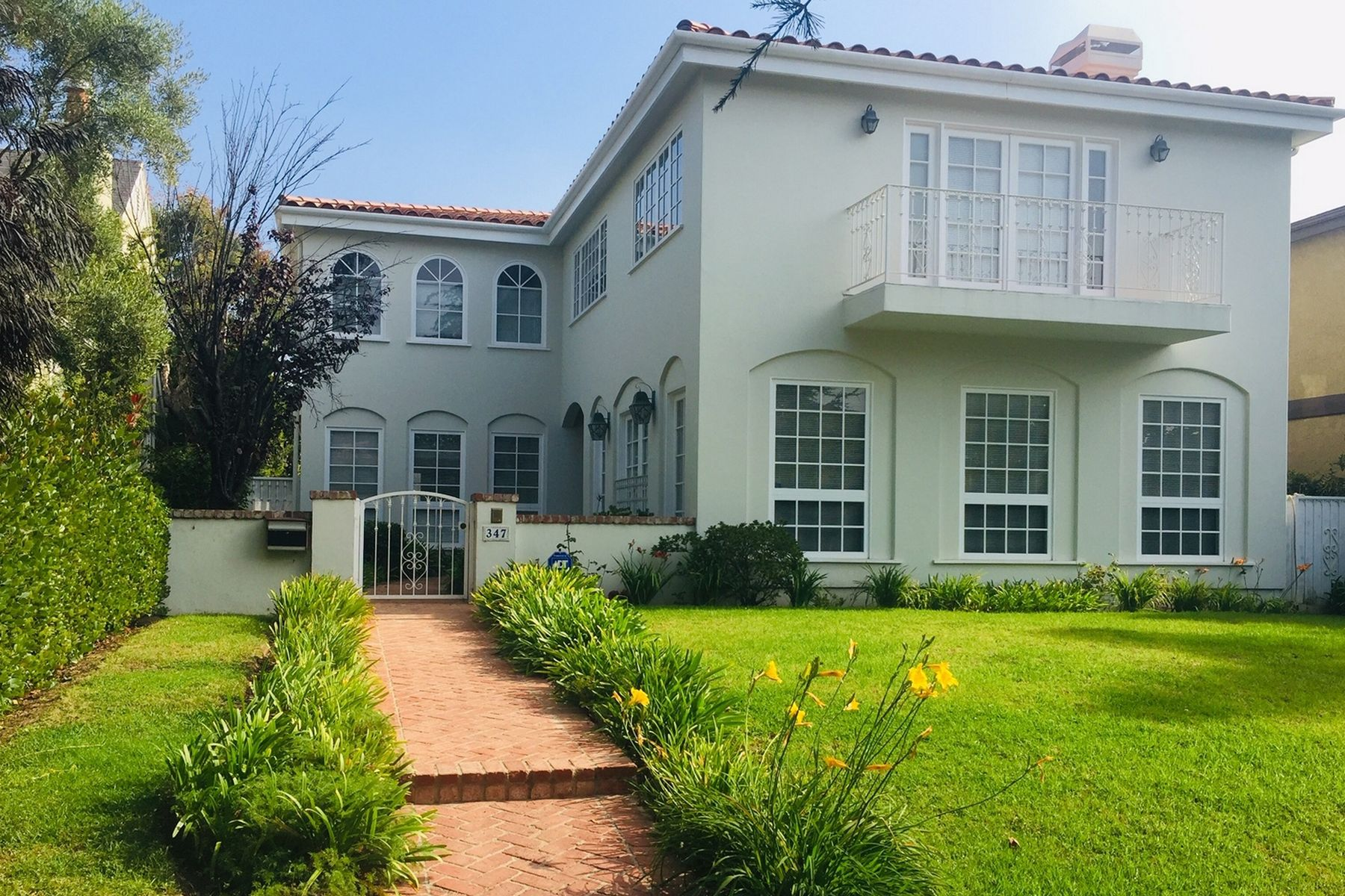 Single Family Homes for Sale at 347 22nd Street Santa Monica, California 90402 United States