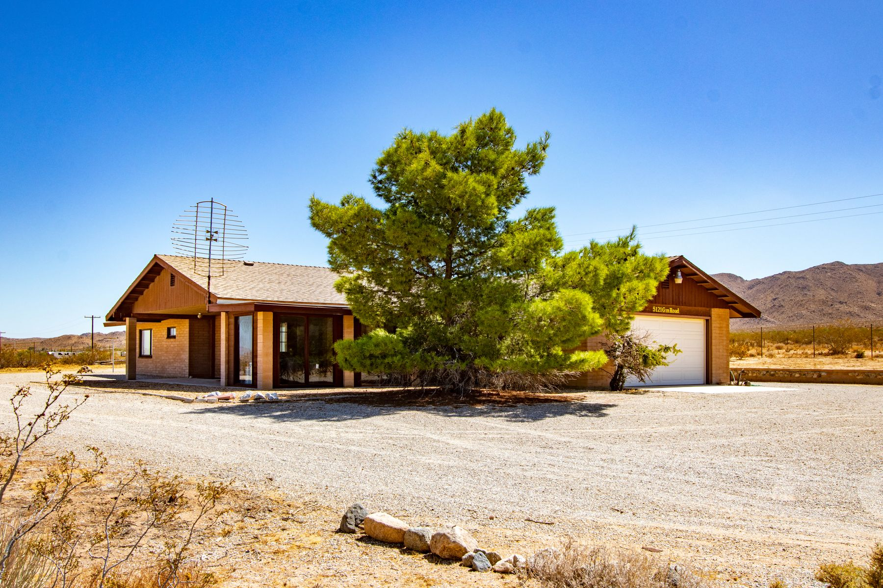Single Family Homes for Sale at 5121 Gin Road Johnson Valley, CA 5121 Gin Road Johnson Valley, California 92285 United States