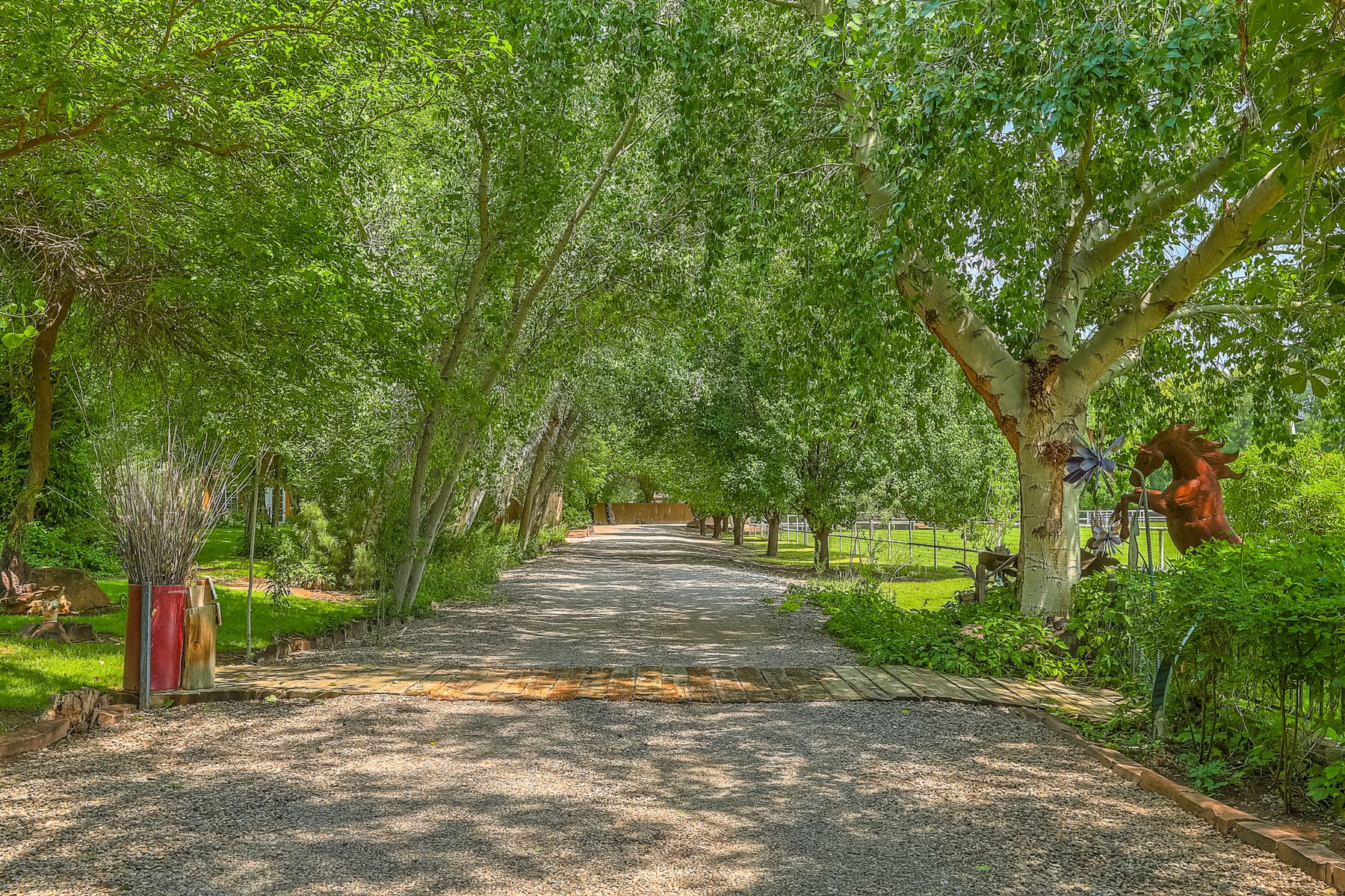Single Family Homes per Vendita alle ore Los Ranchos, Nuovo Messico 87107 Stati Uniti