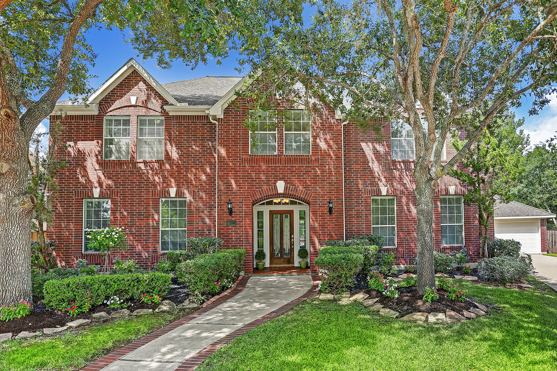 Single Family Homes for Sale at 7611 Stone Arbor Drive Sugar Land, Texas 77479 United States