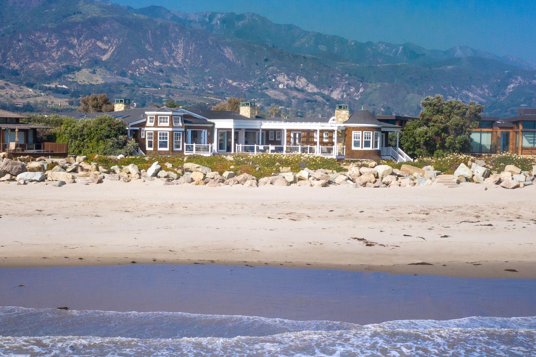 Single Family Homes por un Venta en Private Ocean Front Retreat 821 Sand Point Road Carpinteria, California 93013 Estados Unidos