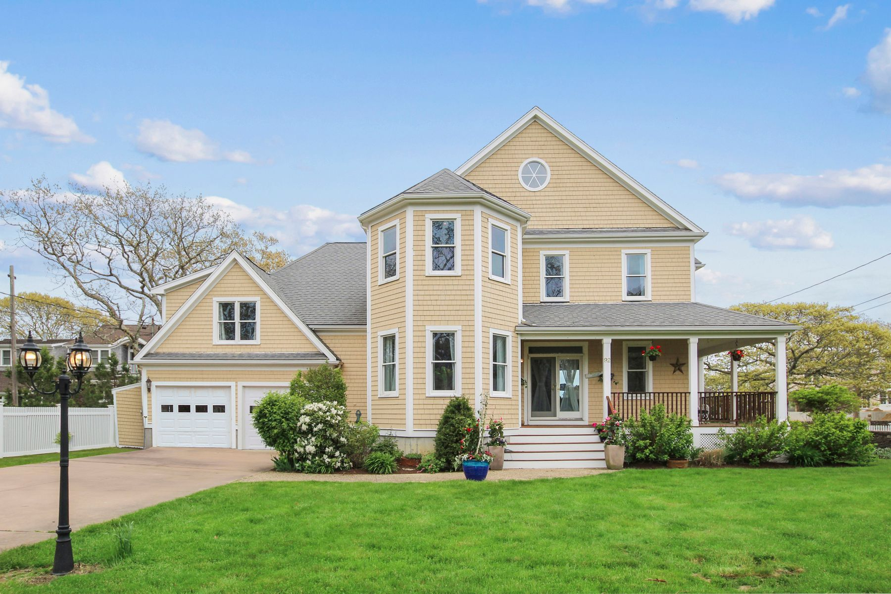 Single Family Homes for Active at Water Views And Beach Rights 92 Bridge Street East Falmouth, Massachusetts 02536 United States