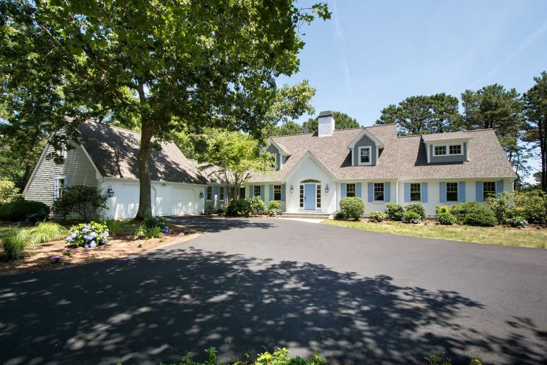 Single Family Homes 용 매매 에 140 Pineleigh Path, Osterville, MA Osterville, 매사추세츠 02655 미국