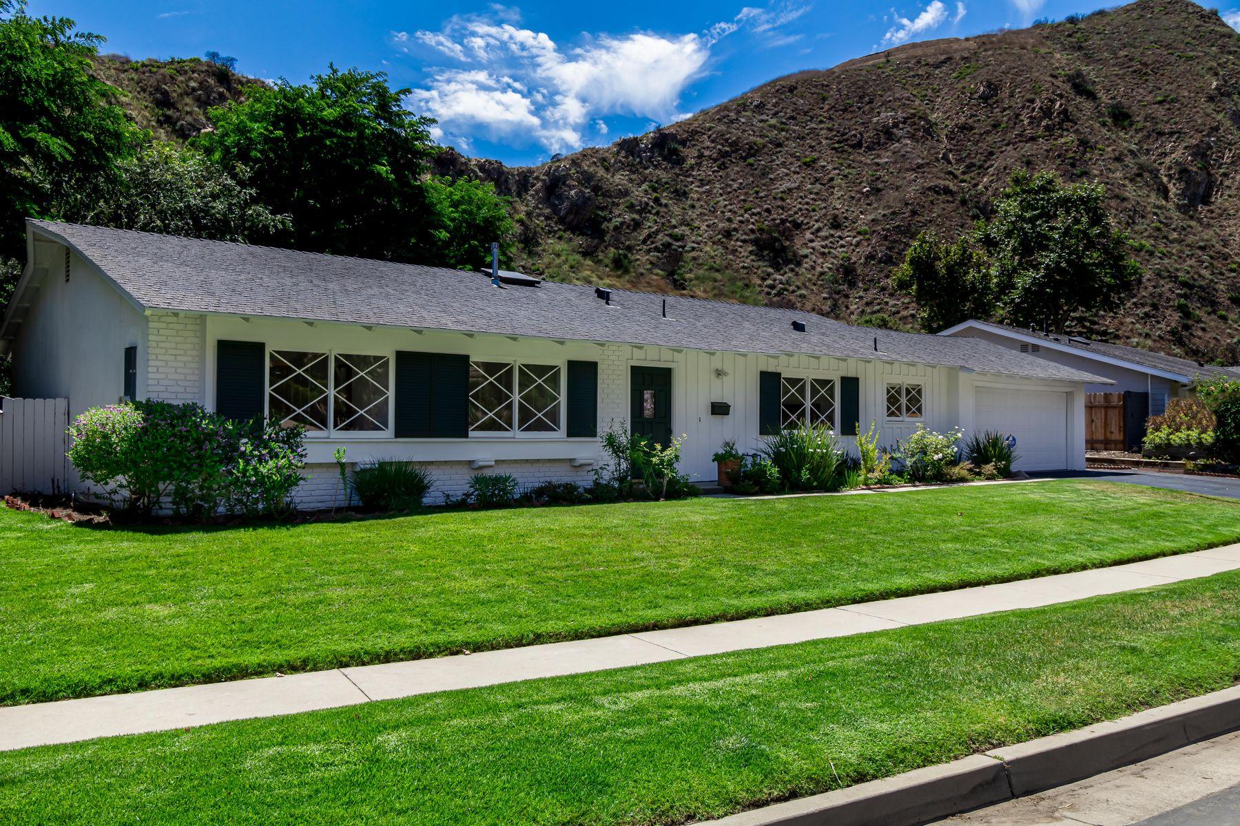 Single Family Homes por un Venta en Beautiful Home in Malibu West 5945 Paseo Canyon Dr Malibu, California 90265 Estados Unidos