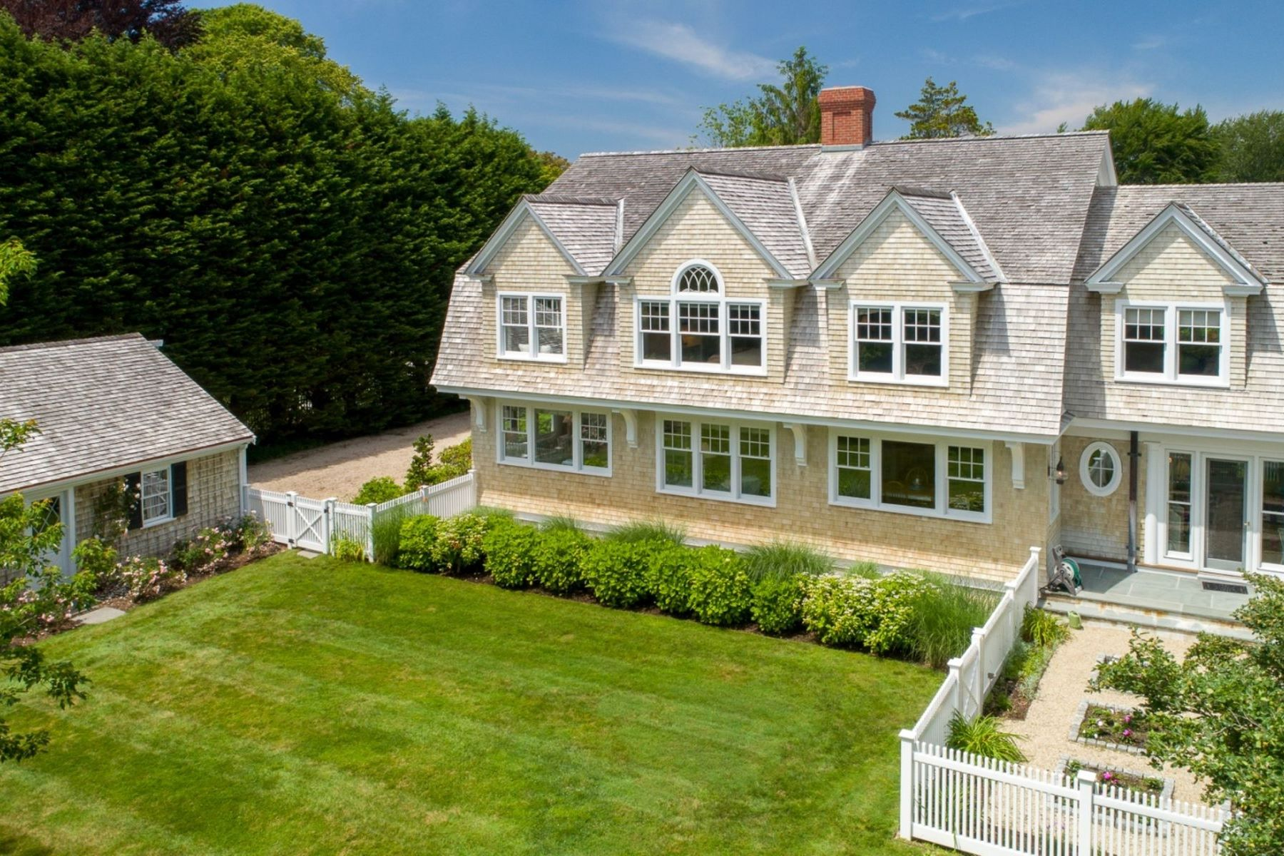 Single Family Homes for Sale at 5 Settlers Path Falmouth, Massachusetts 02540 United States
