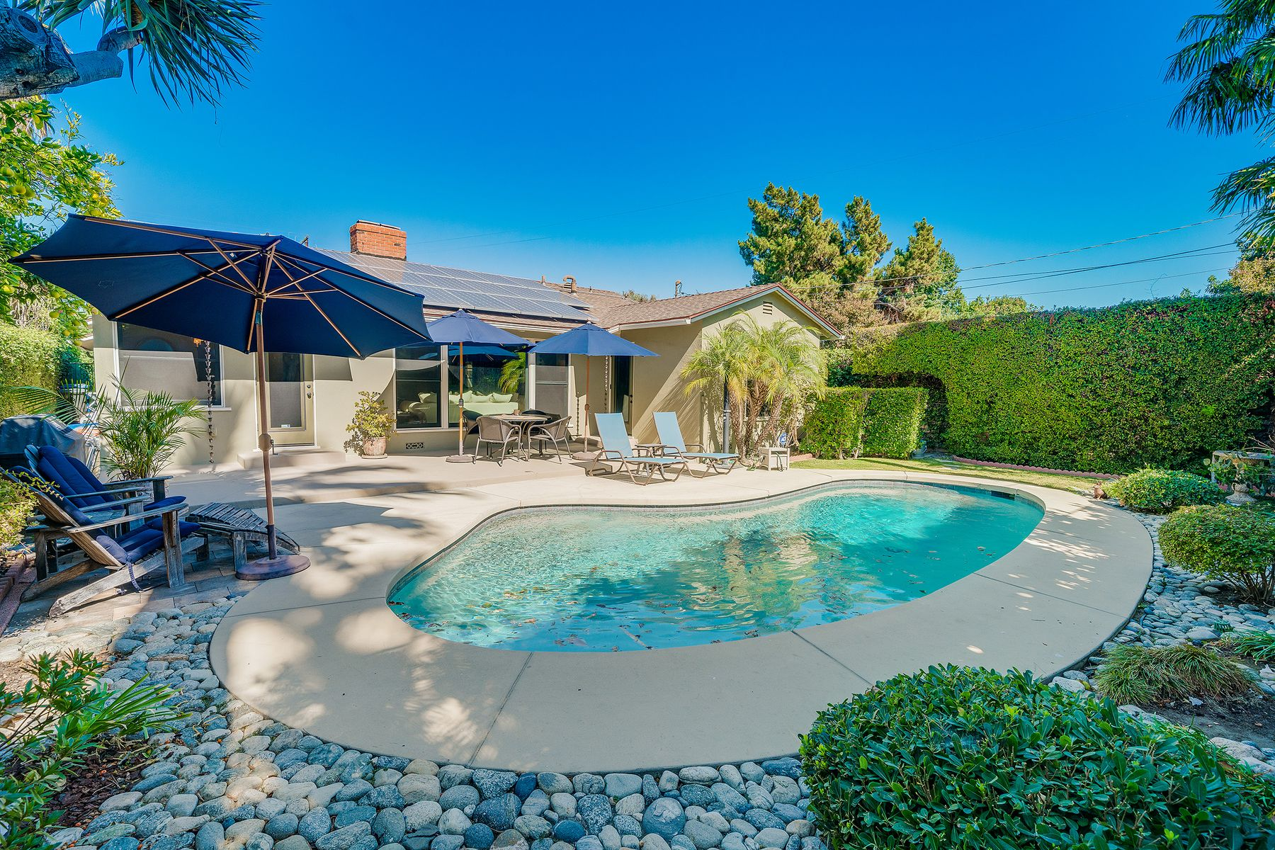 Single Family Homes for Sale at Pristine Mellenthin Pool House 13440 Albers Street Sherman Oaks, California 91401 United States