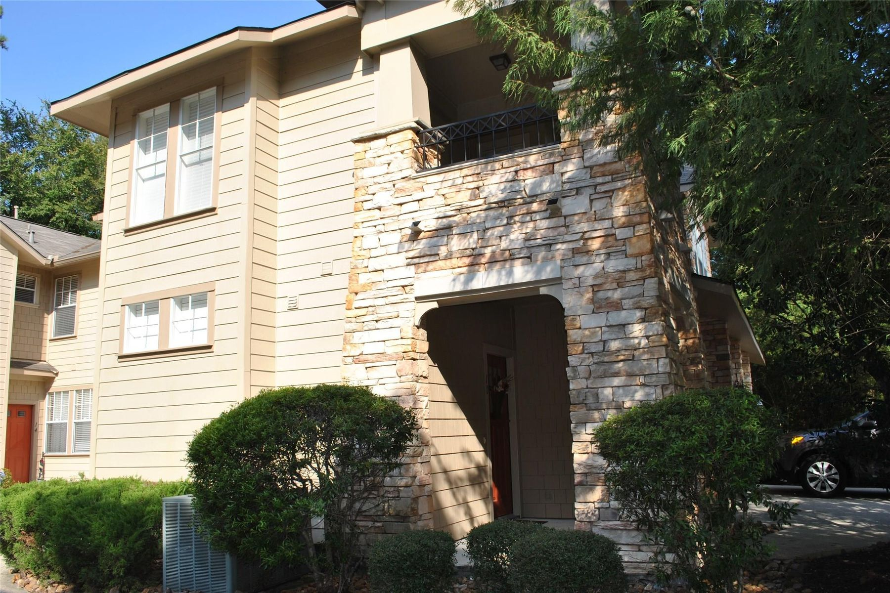 townhouses for Sale at 10 Scarlet Woods Court Spring, Texas 77380 United States