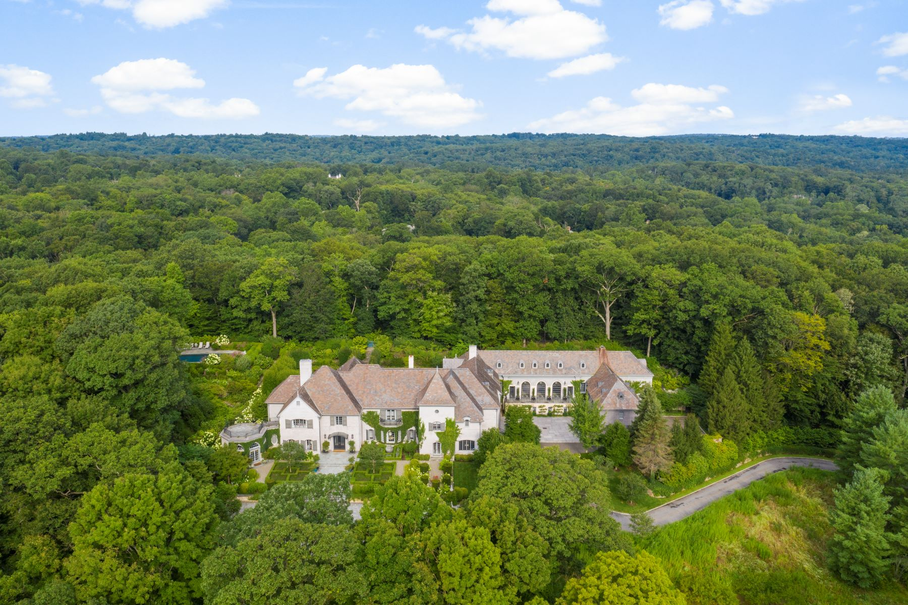 Single Family Homes for Sale at Cowdray Park In Conyers Farm 14 Cowdray Park Drive Greenwich, Connecticut 06831 United States