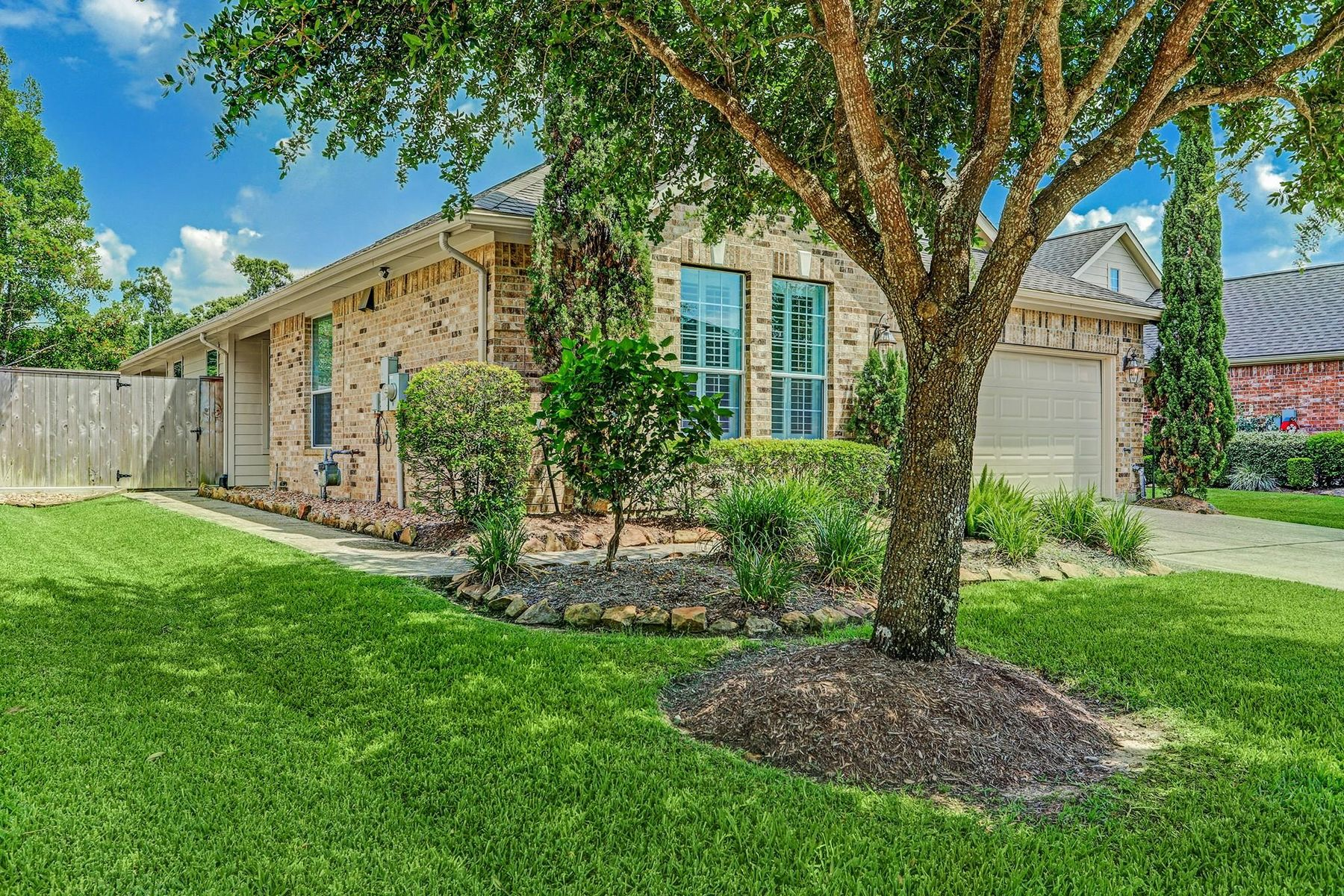 Single Family Homes for Active at 2405 Modena Court Pearland, Texas 77581 United States